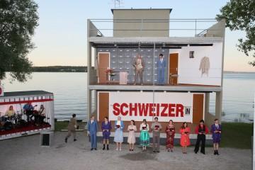 Das See-Burgtheater spielt «Die Schweizermacher»