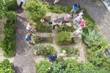 Der Kräutergarten Bibelgalerie Meersburg von oben