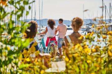 Mit dem Schiff oder Rad zu den blühenden Gärten