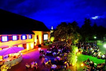 Zweite Runde der Langen Nacht der Bodenseegärten: Überlinger Badgar-ten bei Nacht
