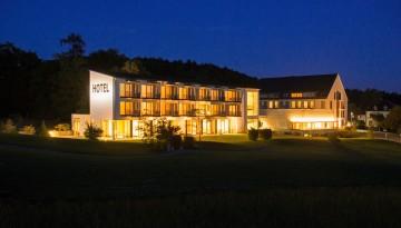Hotel St. Elisabeth bei Nacht