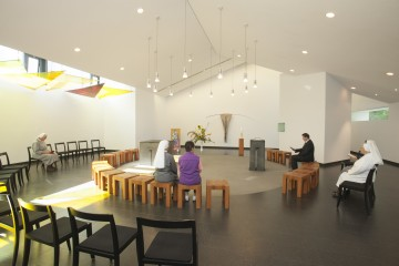 Moderne Kapelle im Hotel St. Elisabeth