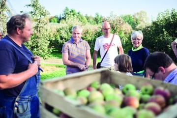 Ein Blick über die Schulter von Bauern und Brennern