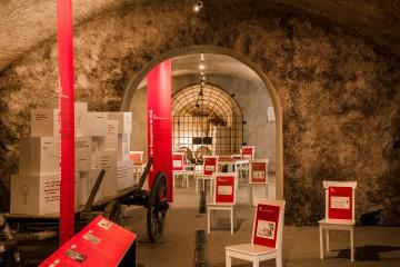 Hier beginnt der Ausstellungsbesucher seine Erkundungstour auf Hortenses Spuren.