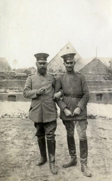 Leutnant Adolf Merk mit einem unbekannten Kameraden