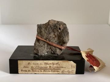 Stein vom Original-Napoleongrab auf St. Helena