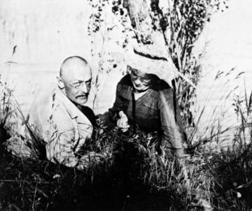 Hermann Hesse mit seiner Frau Mia