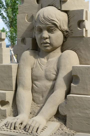Zwanzig Bildhauer sind täglich am Werk