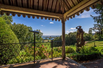 Arenenberger Park: Aussicht aus Pavillion Richtung Konstanz